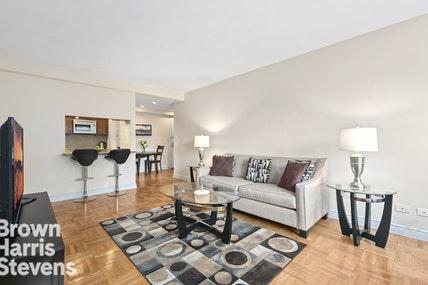 Apartment for sale at 11 Riverside Drive, Apt 13SE