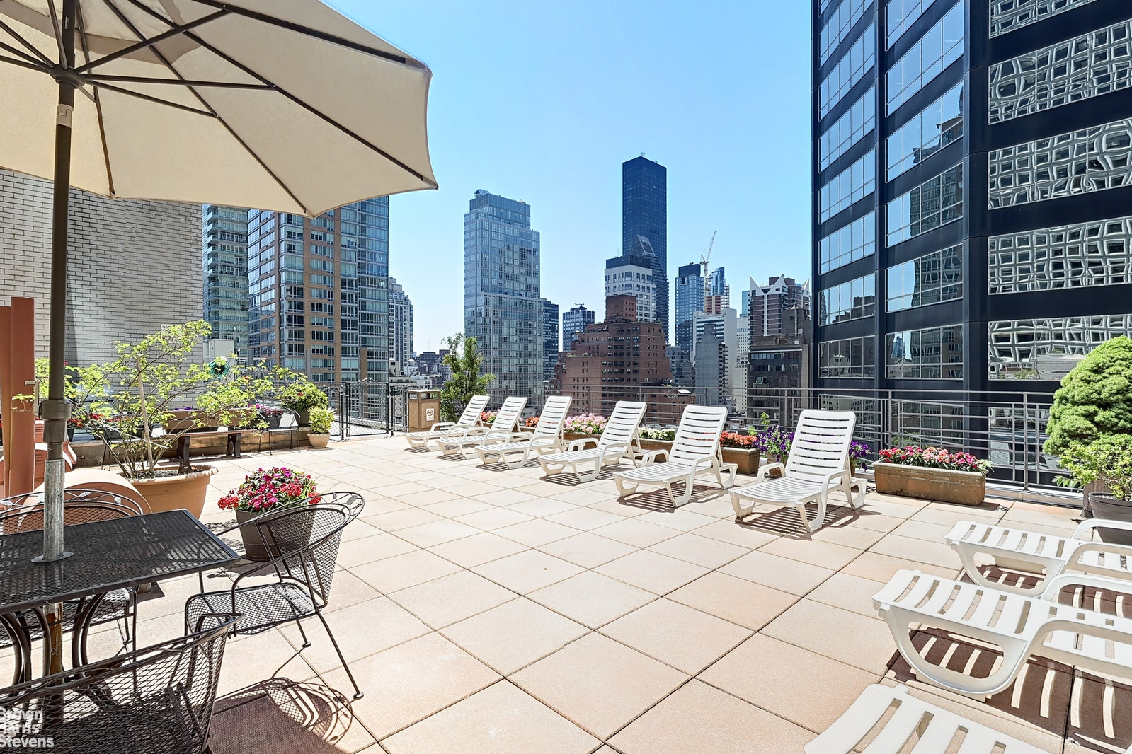 211 EAST 53RD STREET 4F, Midtown East, $675,000, Web #: 20499066