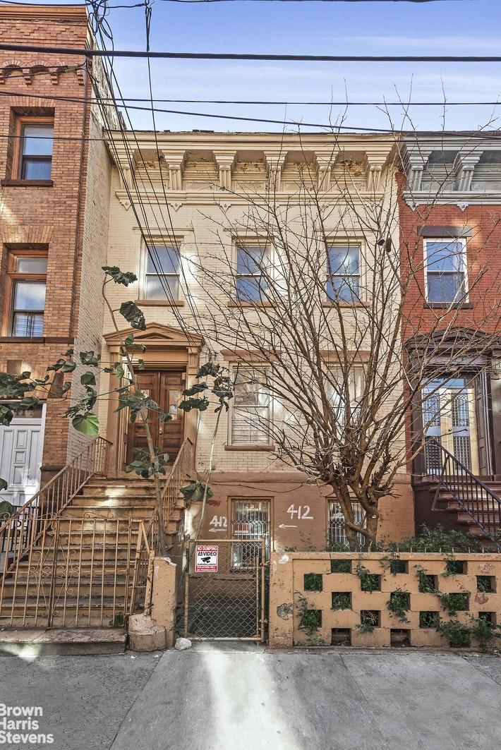 412 EAST 136TH STREET, Mott Haven, $899,000, Web #: 20504055