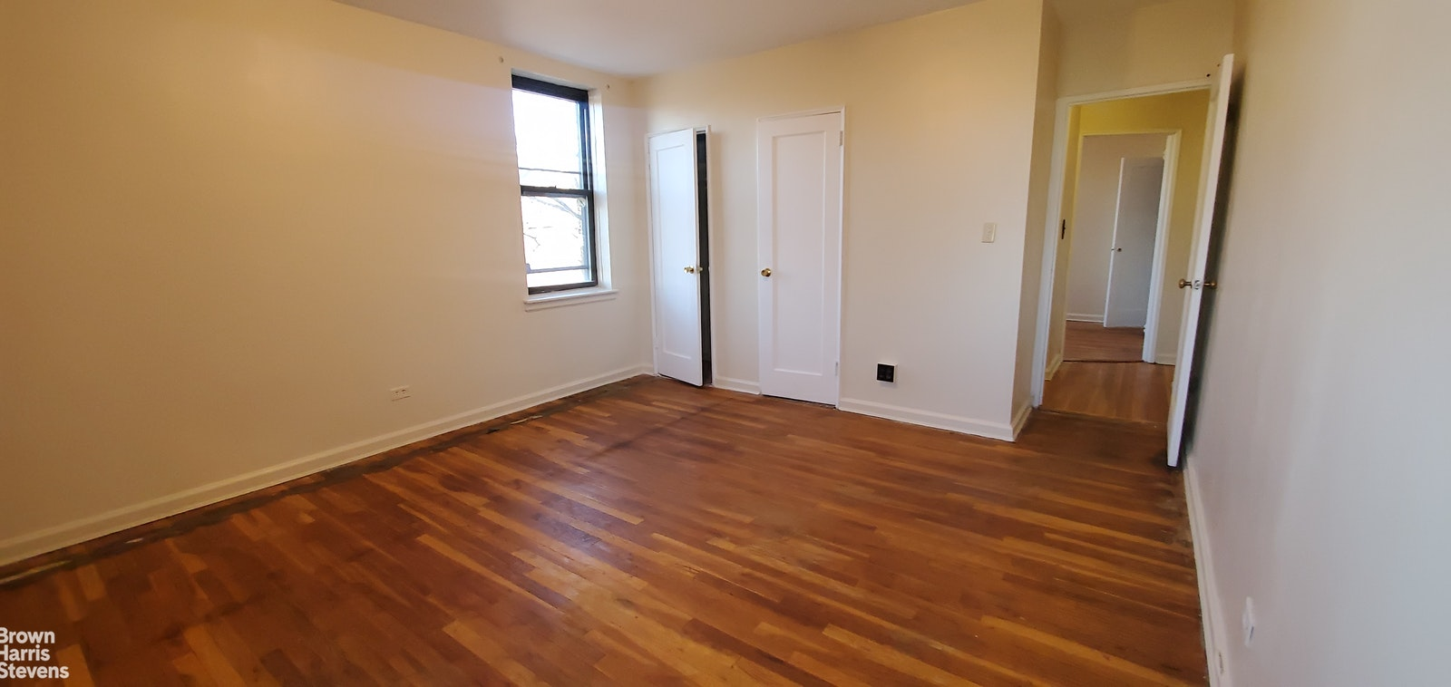 3555 KINGS COLLEGE PL 3G, Norwood, $185,000, Web #: 20507517