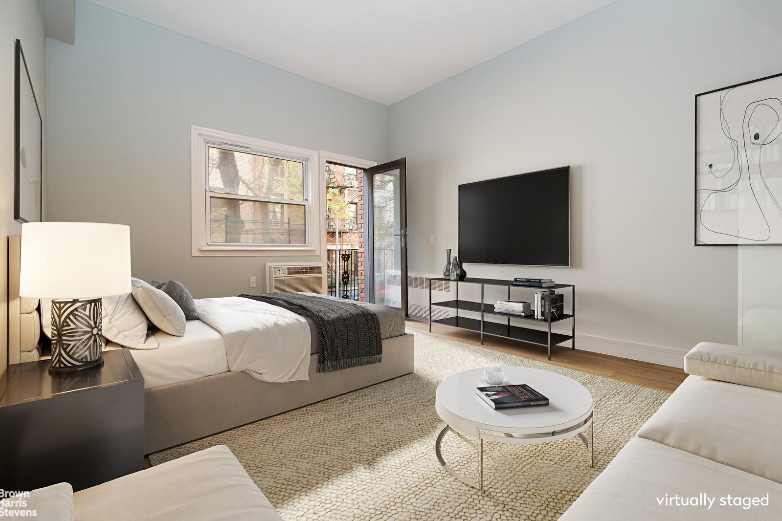 211 THOMPSON STREET 2JK, Greenwich Village, $999,000, Web #: 20565375