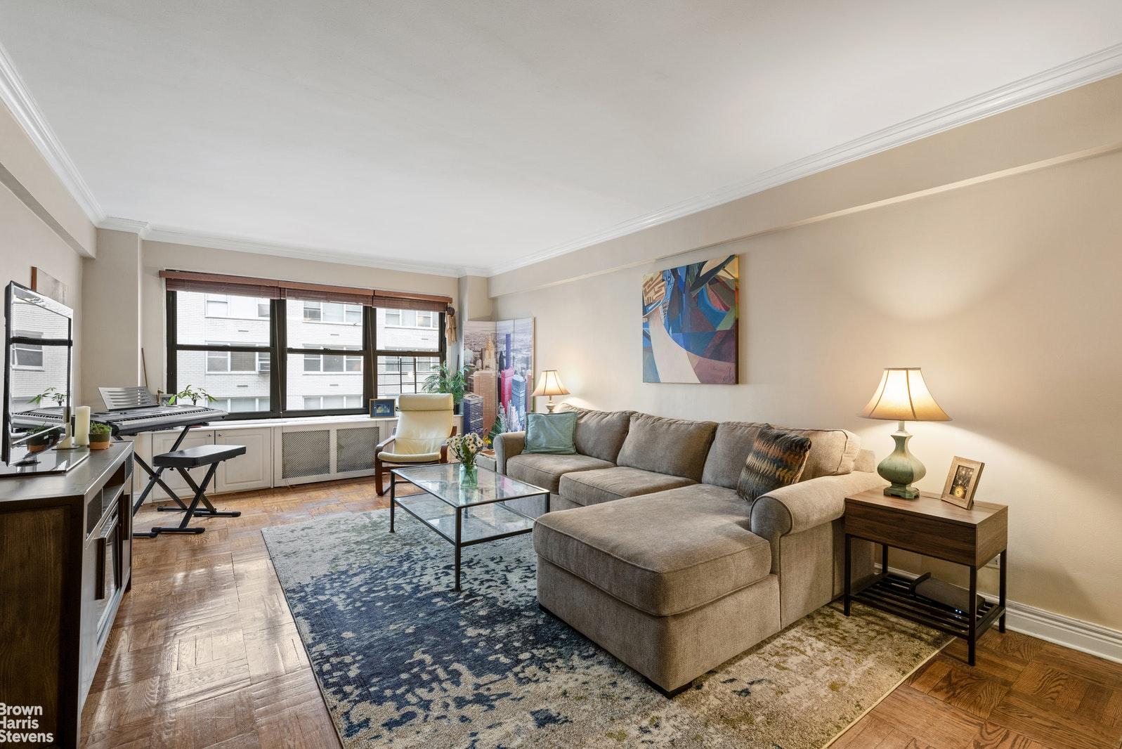 140 EAST 56TH STREET 4C, Midtown East, $1,150,000, Web #: 20676368
