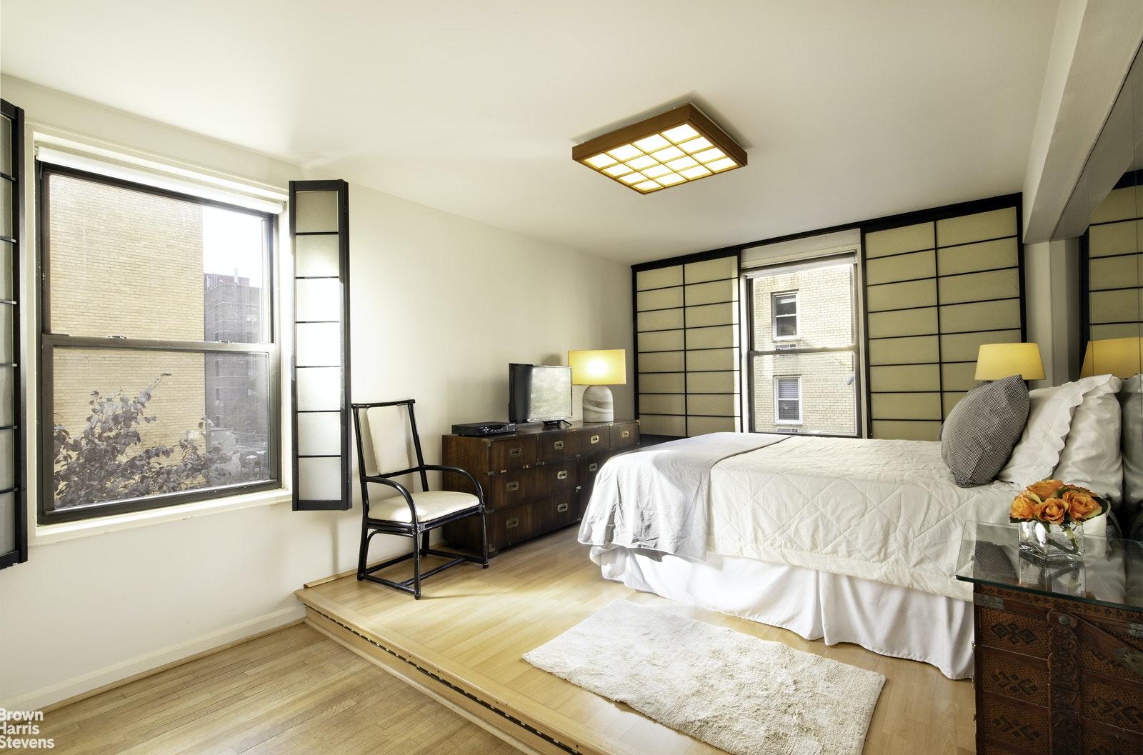 60 EAST 9TH STREET 339, Greenwich Village, $840,000, Web #: 20686634