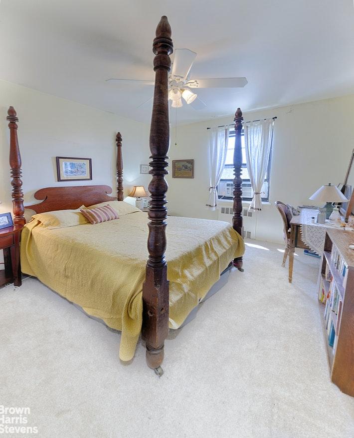 SUNNY 3 BED CORNER UNIT, Flushing, $380,000, Web #: 20717412
