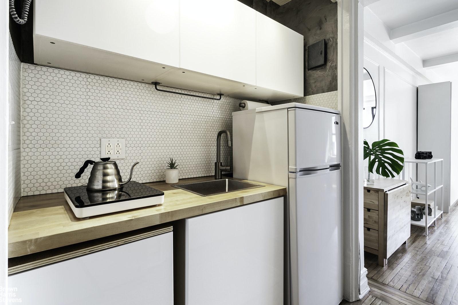 457 WEST 57TH STREET 1403, Midtown West, $365,000, Web #: 20753567