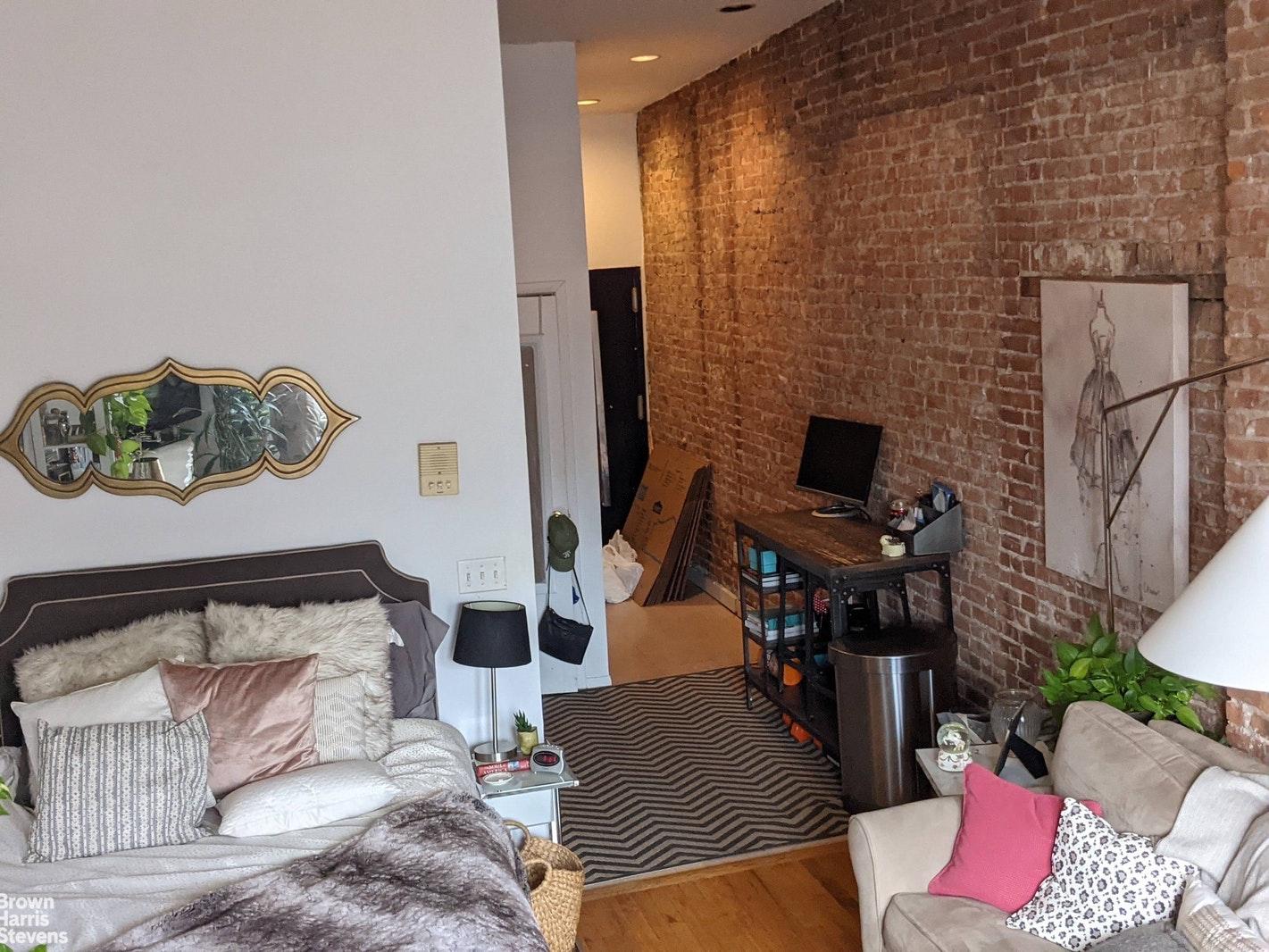 402 7TH AVE 4B, Park Slope, $1,850, Web #: 20757329