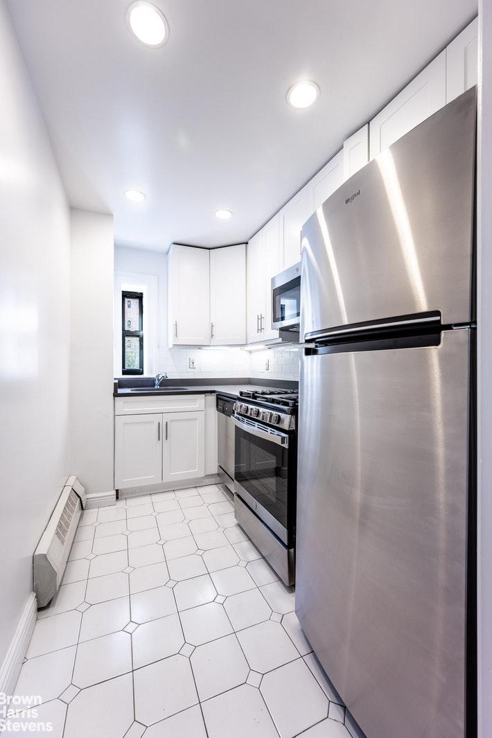 17 PARK AVENUE 302, Midtown East, $4,700, Web #: 20814166