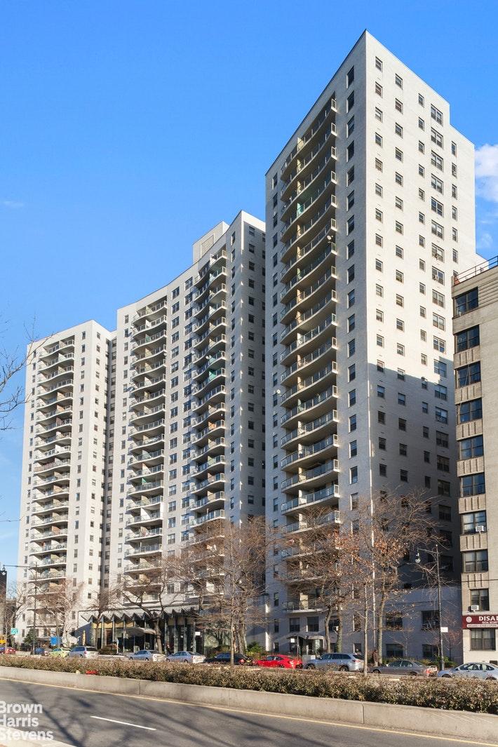 1020 GRAND CONCOURSE, Concourse Village, $399,000, Web #: 20834232