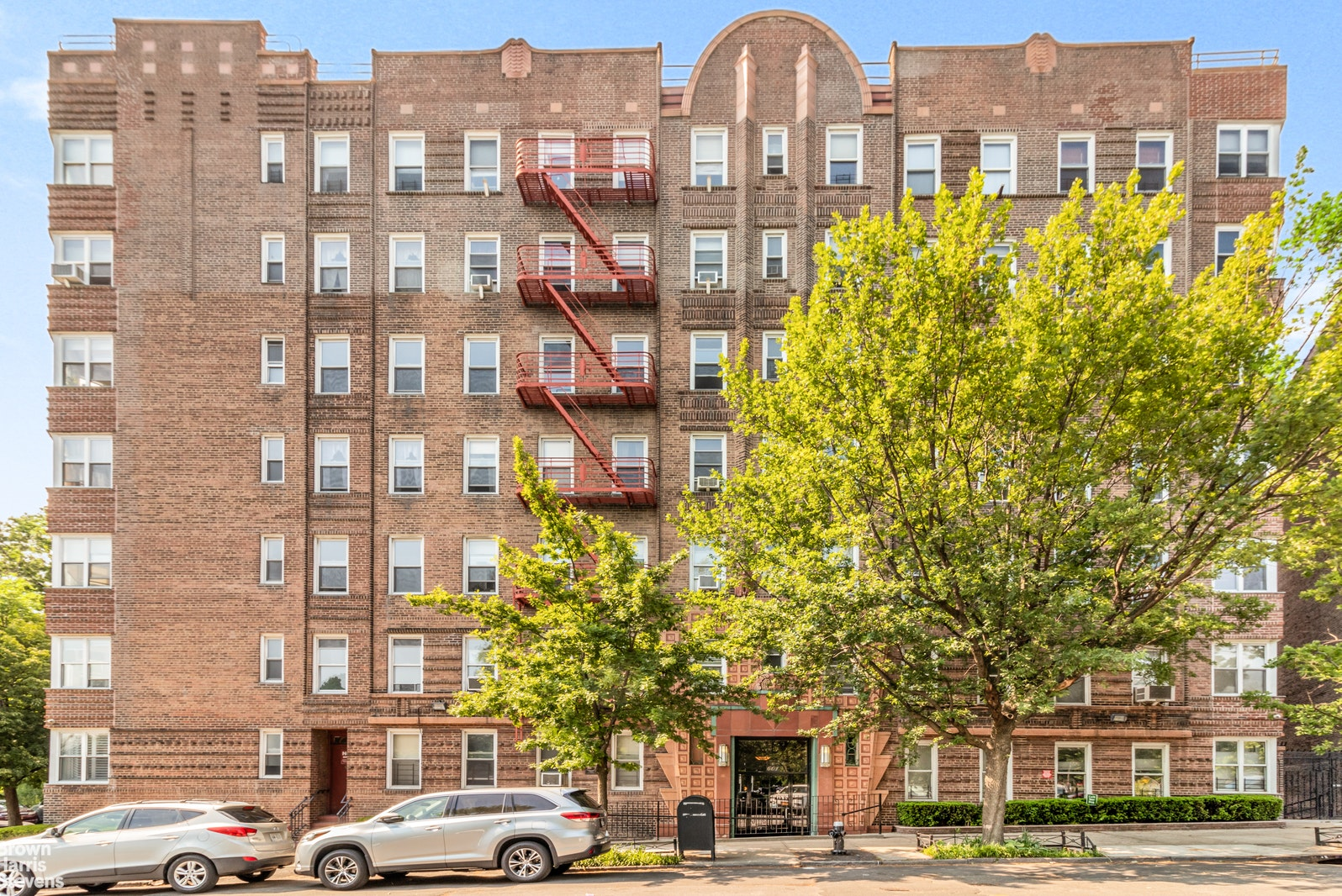 601 PELHAM PARKWAY NORTH, The Bronx (Other), $229,000, Web #: 20901504