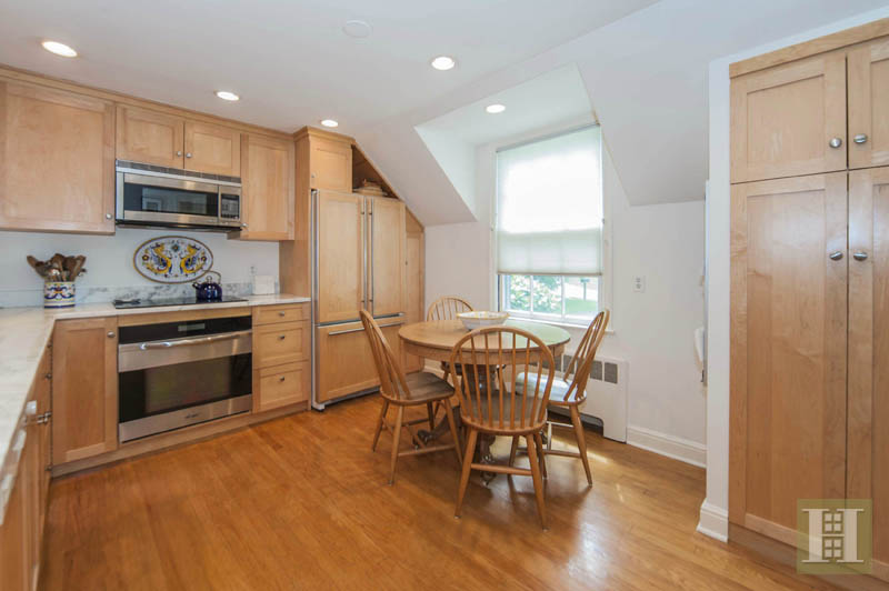 Additional photo for property listing at 6 TYLER DRIVE  Darien, 코네티컷,06820 미국