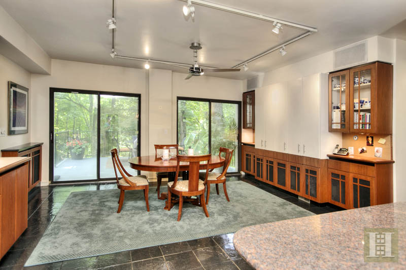 Additional photo for property listing at 27 TORY HOLE ROAD  Darien, Κονεκτικατ,06820 Ηνωμενεσ Πολιτειεσ