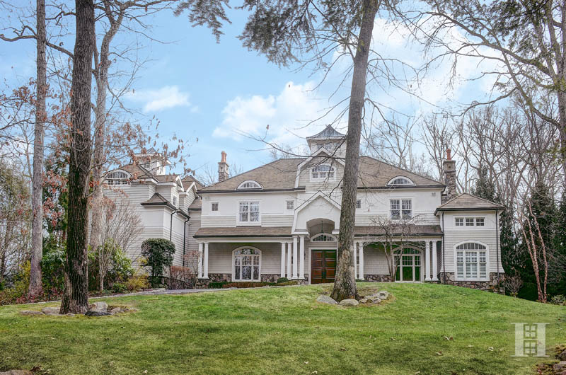 Single Family Home for Sale at 242 WAHACKME ROAD New Canaan, Connecticut,06840 United States