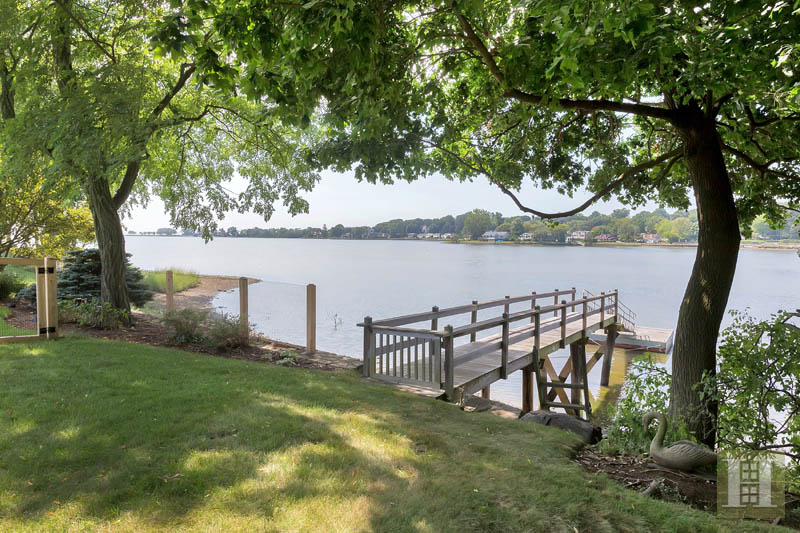 Additional photo for property listing at 9 WEEDS LANDING  Darien, Connecticut,06820 Estados Unidos