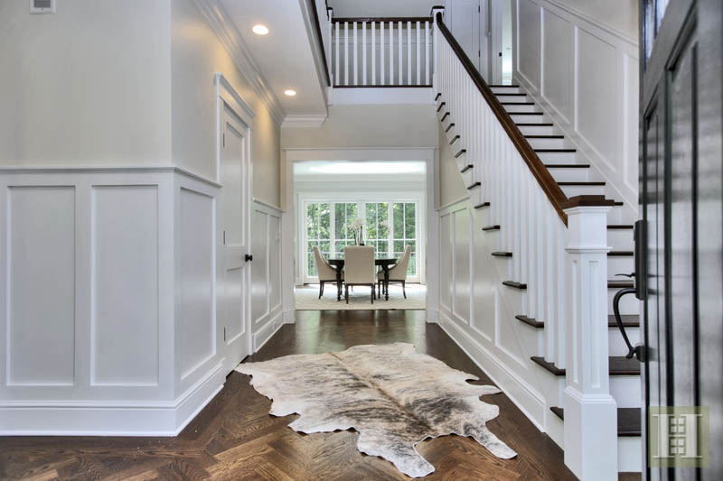 Additional photo for property listing at 23 WATERBURY LANE  Darien, Connecticut,06820 United States