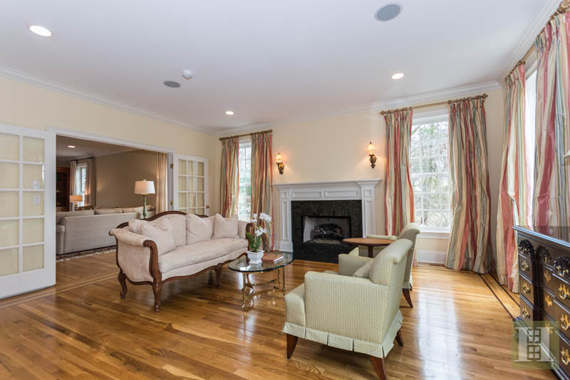 Additional photo for property listing at 450 MANSFIELD AVENUE  Darien, Connecticut,06820 États-Unis