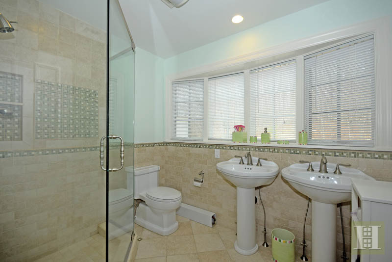 Additional photo for property listing at 1037 VALLEY ROAD  New Canaan, Connecticut,06840 Hoa Kỳ
