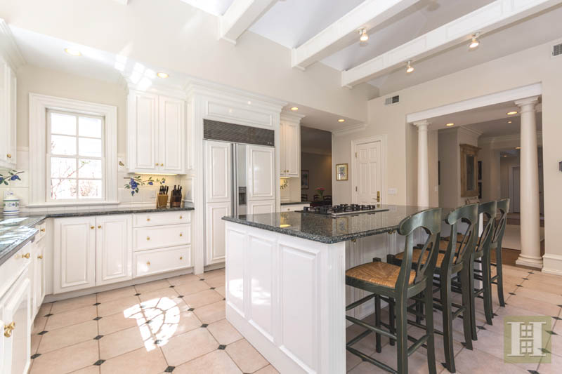 Additional photo for property listing at 117 CLEARVIEW LANE  New Canaan, Connecticut,06840 Estados Unidos