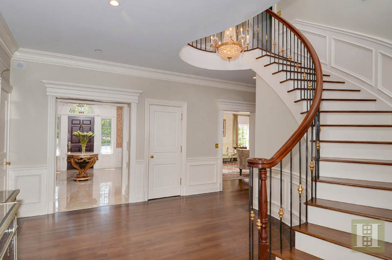 Additional photo for property listing at 31 DEACONS WAY  New Canaan, Connecticut,06840 United States