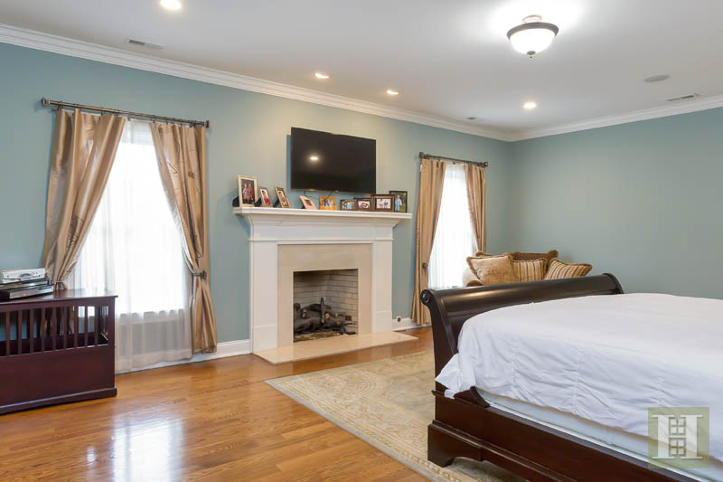 Additional photo for property listing at 87 BUCKINGHAM RIDGE ROAD  Wilton, Connecticut,06897 Hoa Kỳ