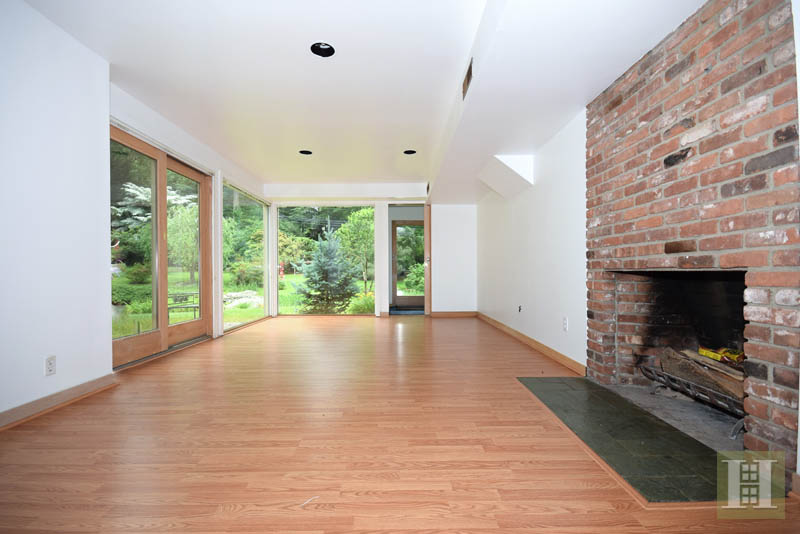 Additional photo for property listing at 209 FROGTOWN ROAD  New Canaan, Connecticut,06840 Verenigde Staten