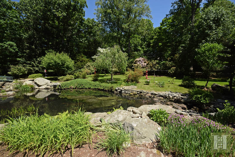 Additional photo for property listing at 209 FROGTOWN ROAD  New Canaan, 코네티컷,06840 미국