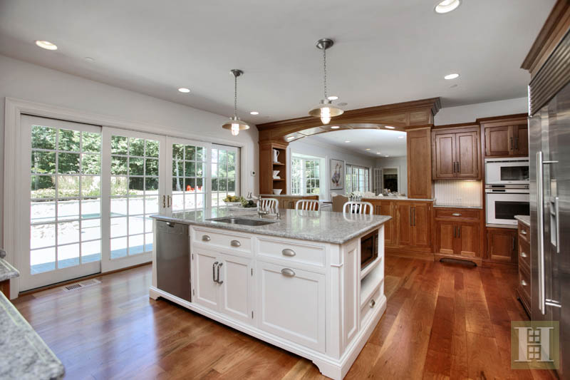 Additional photo for property listing at 40 BLUEBERRY LANE  Darien, Connecticut,06820 Vereinigte Staaten