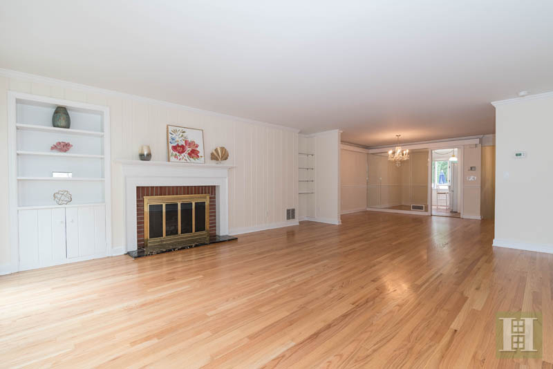 Additional photo for property listing at 205 MAIN STREET  New Canaan, Connecticut,06840 Estados Unidos