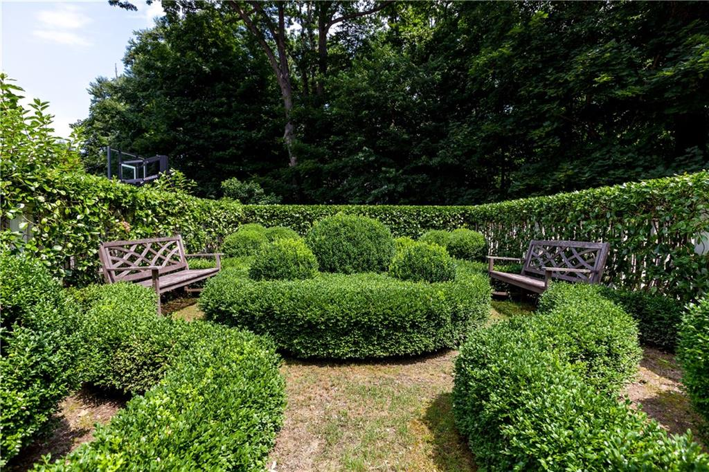 Additional photo for property listing at 10 GLEN GORHAM LANE  Darien, 康涅狄格州,06820 美國
