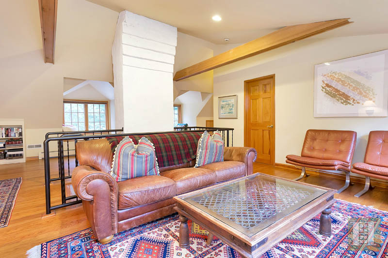 Additional photo for property listing at 60 INDIAN HILL ROAD  Wilton, Connecticut,06897 États-Unis