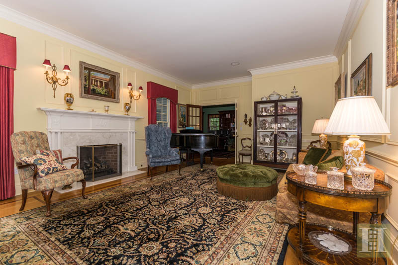 Additional photo for property listing at 20 LUKES WOOD ROAD  New Canaan, Connecticut,06840 United States