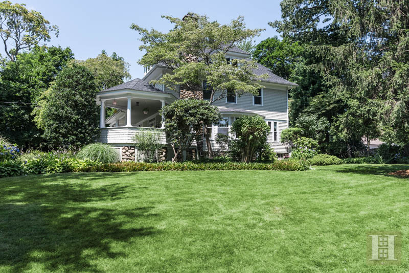 Additional photo for property listing at 2 HIGHLAND AVENUE  Darien, Connecticut,06820 Verenigde Staten