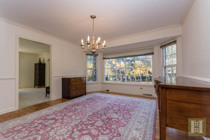 Additional photo for property listing at 5 WATCH TOWER ROAD  Darien, Connecticut,06820 Stati Uniti