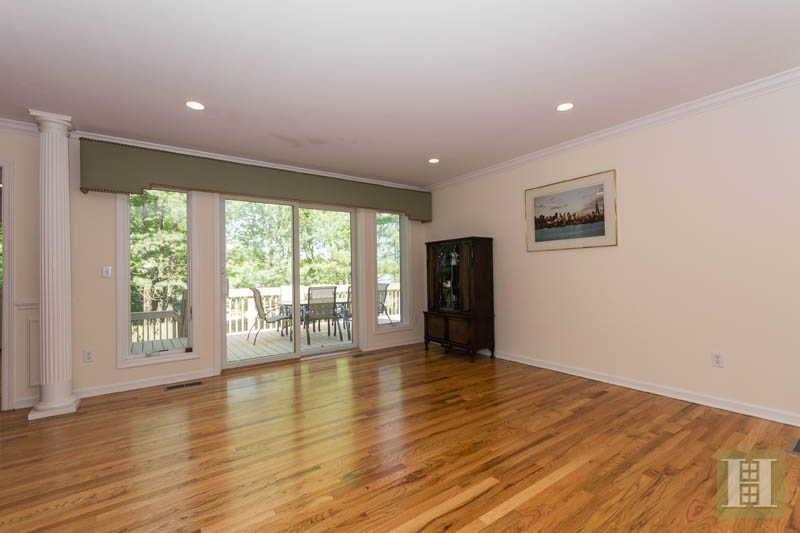 Additional photo for property listing at 84 CAMP AVENUE  Darien, Connecticut,06820 United States