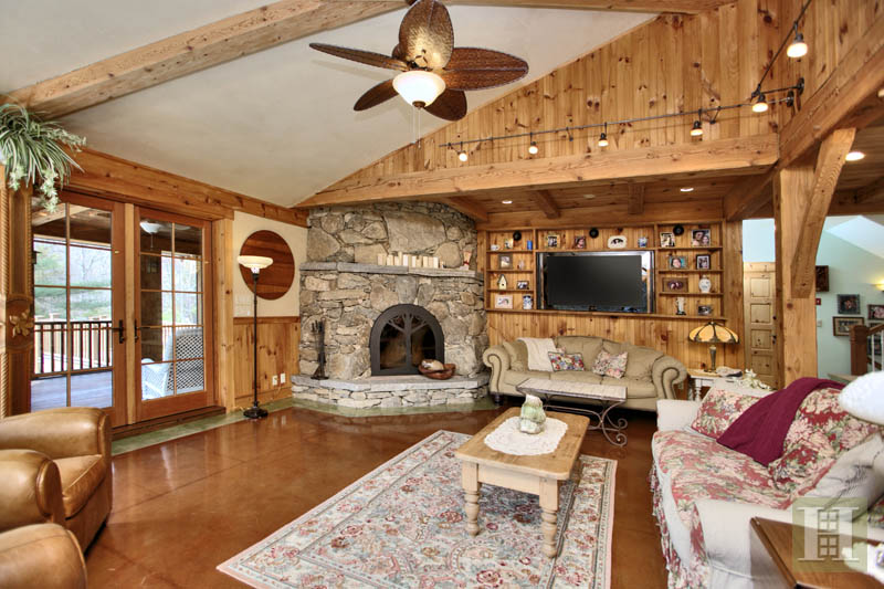 Additional photo for property listing at 482 TRINITY PASS ROAD  New Canaan, Connecticut,06840 États-Unis