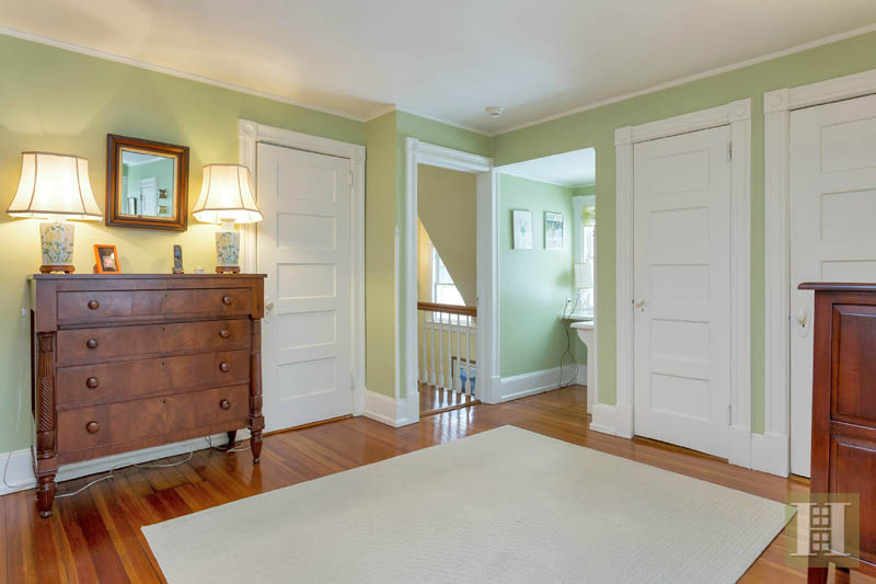 Additional photo for property listing at 42 GOODWIVES RIVER ROAD  Darien, Connecticut,06820 Hoa Kỳ