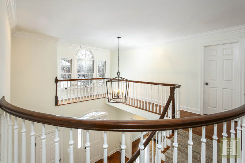 Additional photo for property listing at 28 SHIELDS ROAD  Darien, Коннектикут,06820 Соединенные Штаты