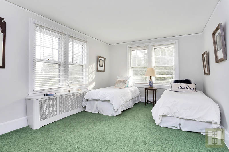 Additional photo for property listing at 74 GARDINER STREET  Darien, Connecticut,06820 États-Unis