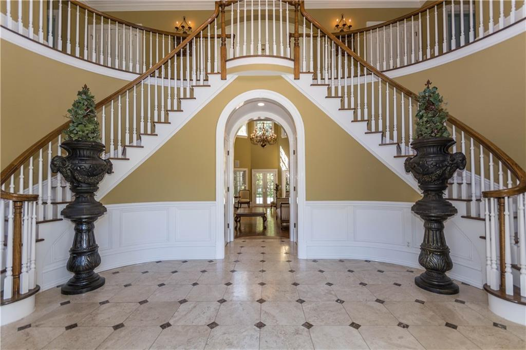 Additional photo for property listing at 260 LUKES WOOD ROAD  New Canaan, Connecticut,06840 États-Unis