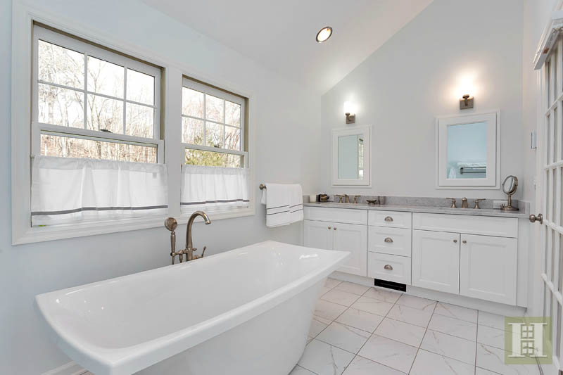 Additional photo for property listing at 390 MIDDLESEX ROAD  Darien, Connecticut,06820 États-Unis