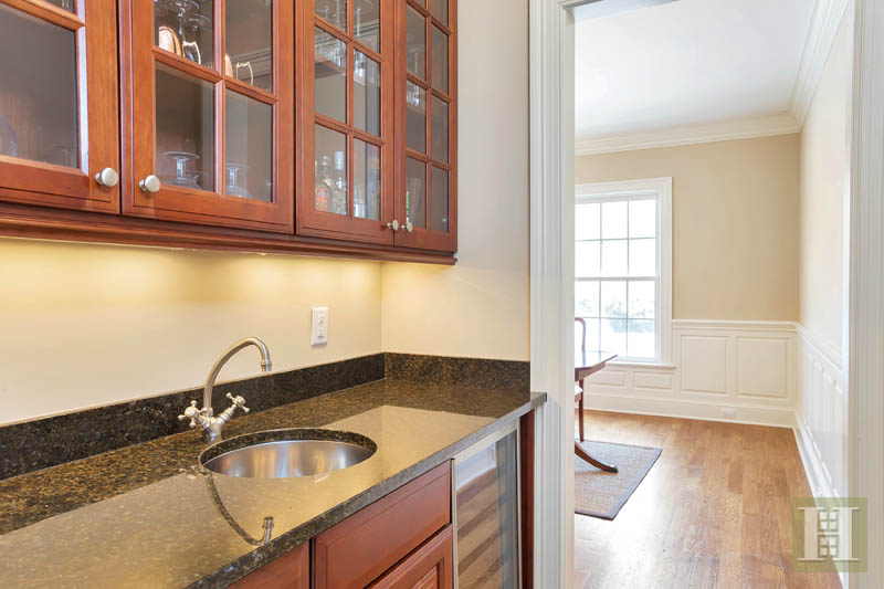 Additional photo for property listing at 49 DUBOIS STREET  Darien, Connecticut,06820 États-Unis