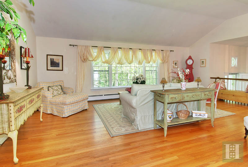 Additional photo for property listing at 154 SOUTH BALD HILL ROAD  New Canaan, Connecticut,06840 Estados Unidos