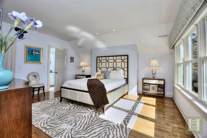 Additional photo for property listing at 2572 BOSTON POST ROAD  达连湾, 康涅狄格州,06820 美国