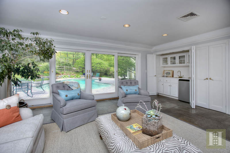 Additional photo for property listing at 14 CIRCLE ROAD  Darien, コネチカット,06820 アメリカ合衆国