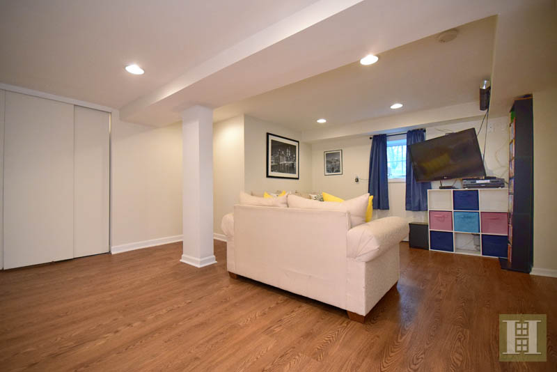 Additional photo for property listing at 37 GREENWOOD AVENUE  达连湾, 康涅狄格州,06820 美国