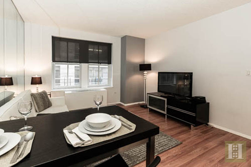 West 51st Street, Midtown West, NYC, $3,600, Web #: 11951545