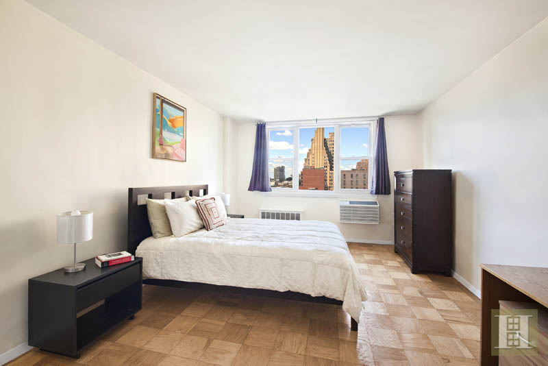 77 Seventh Avenue 11j, Chelsea, NYC, 10011, $867,500, Sold Property, Halstead Real Estate, Photo 3