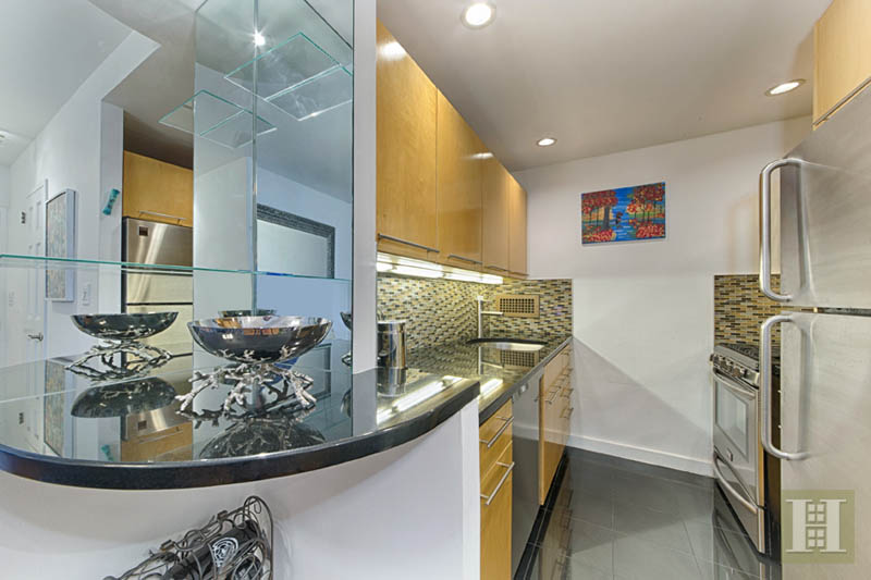 303 East 57th Street 11, Midtown East, NYC, 10022, $510,000, Sold Property, Halstead Real Estate, Photo 3