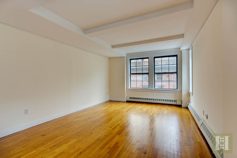 17 Park Avenue 701, Midtown East, NYC, $6,150, Web #: 13259112