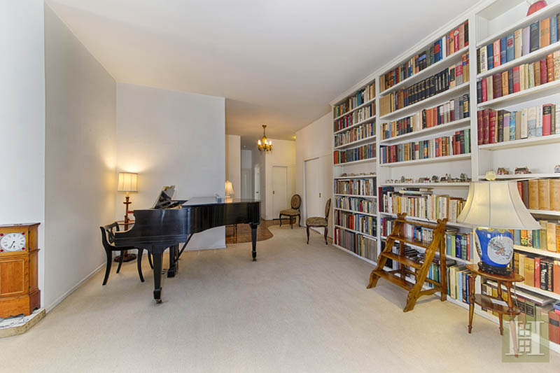 201 East 79th Street 10d, Upper East Side, NYC, 10075, $1,999,995, Sold Property, Halstead Real Estate, Photo 2