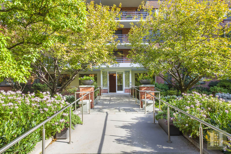 382 Central Park West 12n, Upper West Side, NYC, 10025, $1,100,000, Sold Property, Halstead Real Estate, Photo 2